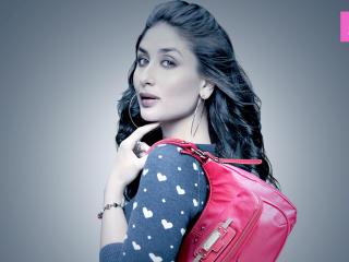 Kareena Kapoor With Purse Latest HD Wallpaper wallpaper