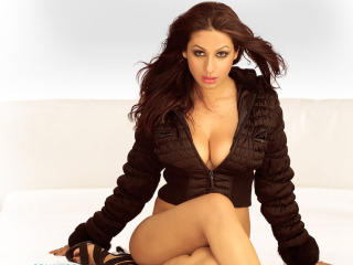 Kashmira Shah Latest Cleavage Wallpapers  wallpaper