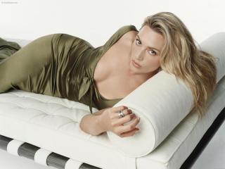 Kate Winslet In Nighty Pose wallpaper