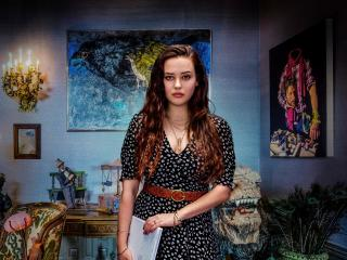Katherine Langford In Knives Out wallpaper