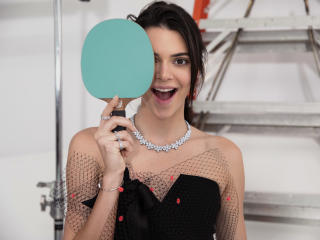 Kendall Jenner 6K wallpaper