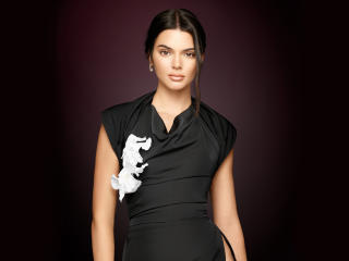 Kendall Jenner Keeping Up with the Kardashians Portrait 2018 wallpaper