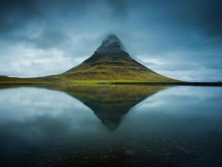 Kirkjufell Iceland wallpaper