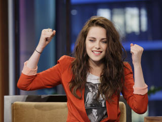 Kristen Stewart Felling Happy wallpaper