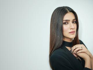 HD Wallpaper | Background Image Kriti Sanon 2019