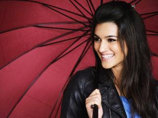 Kriti Sanon Pretty Smile Wallpapers wallpaper