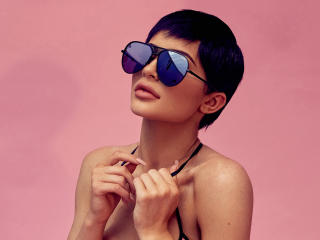 Kylie Jenner Short Hair For Quay Iconic Sunglasses wallpaper