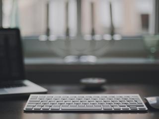 laptop, room, on the desk wallpaper