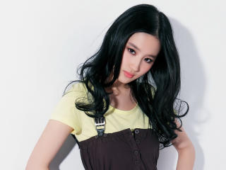 HD Wallpaper   Background Image Liu Yifei Mulan Actress