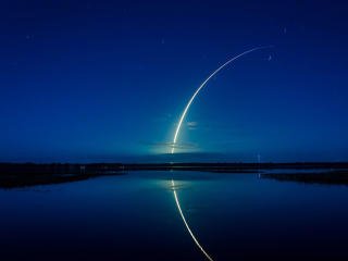 Long Exposure of Rocket Launch wallpaper