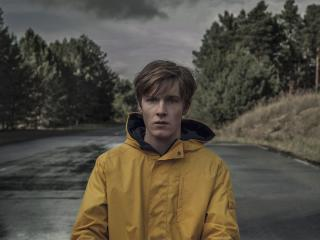 Louis Hofmann Netflix Dark wallpaper
