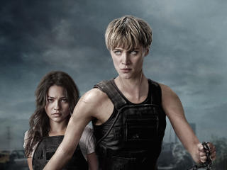 Mackenzie Davis And Natalia Reyes In Terminator 6 wallpaper
