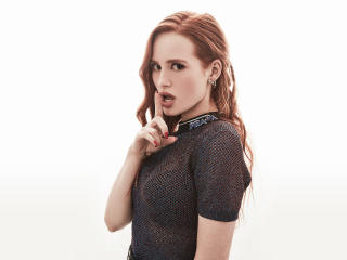 Madelaine Petsch Comic Con 2018 wallpaper