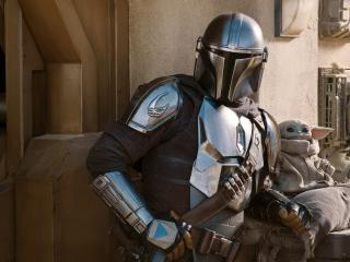 Mandalorian Silver Suit in Season 2 wallpaper