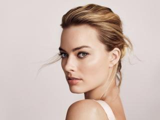 Margot Robbie Beautiful Portrait wallpaper