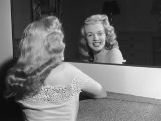 Marilyn Monroe Backless Images wallpaper