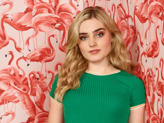 Meg Donnelly American Housewife wallpaper
