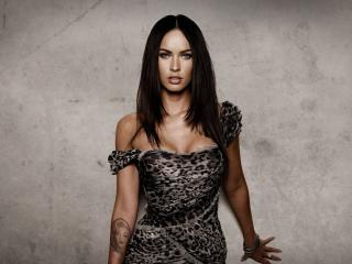 Megan Fox Tattoo on Hand pics wallpaper