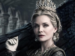 Michelle Pfeiffer in Maleficent Mistress of Evil wallpaper