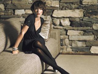 Milla Jovovich short hair style wallpaper wallpaper