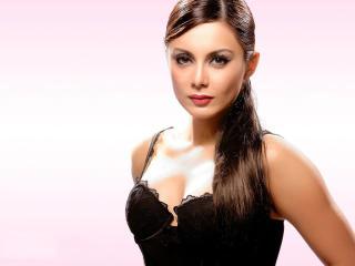 Minissha Lamba In Black Dress HD Pics wallpaper