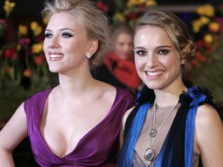 Natalie Portman And Scarlett Johansson Pretty Pics wallpaper