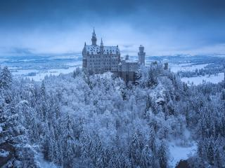 Neuschwanstein Castle in Winter wallpaper
