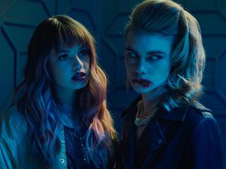 Night Teeth Movie 2021 wallpaper