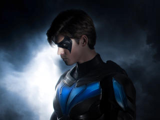 Nightwing Titans 4K wallpaper