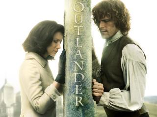Outlander 2017 Season 3 Caitriona Balfe and Sam Heughan wallpaper