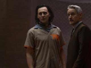Owen Wilson & Tom Hiddleston in Loki Show wallpaper