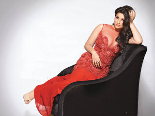 Parineeti Chopra Hot Cleavage wallpaper wallpaper
