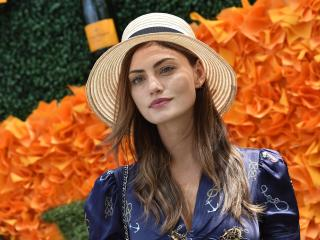 Phoebe Tonkin Australian Actress wallpaper
