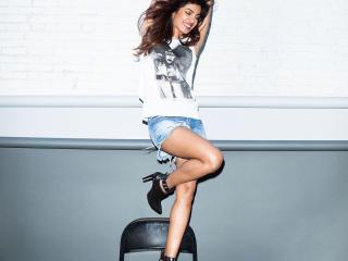 Priyanka Chopra In Shorts  wallpaper