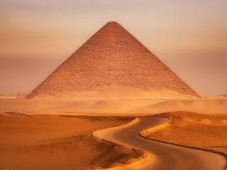 Pyramid in Desert wallpaper