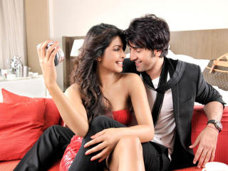 HD Wallpaper | Background Image Ranbir Kapoor And Priyanka Chopra Cute Couple wallpapers