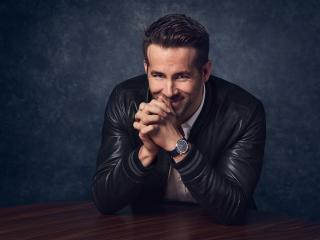 Ryan Reynolds Portrait Photoshoot wallpaper