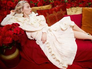 Saoirse Ronan White Dress wallpaper