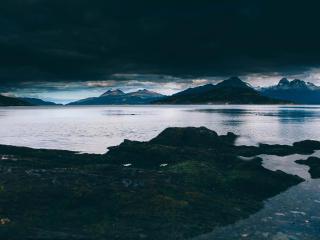 sea, mountains, shore wallpaper