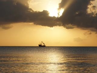 sea, ship, horizon wallpaper