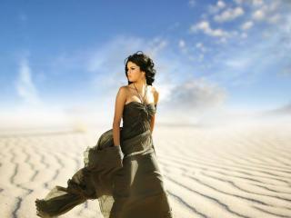Selena Gomez hot images wallpaper