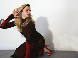 Sexy Ana De Armas In Red wallpaper