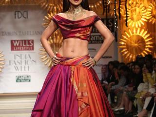 Shilpa Shetty In Designer Suits  wallpaper