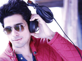 Sidharth Malhotra Latest Wallpaper  wallpaper