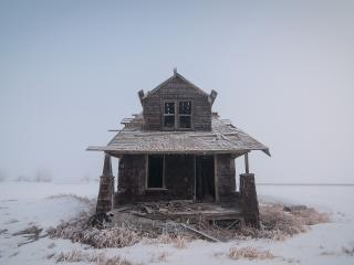 Single House in Fogy Winter wallpaper