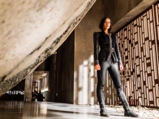 Sonya Balmores As Auran In Inhumans wallpaper