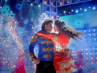 Srk With Deepika Happy New Year 2014 Movie Photos wallpaper