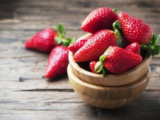 strawberry, berry, bowl wallpaper