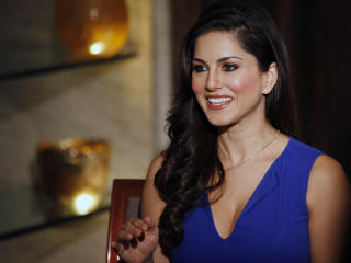 Sunny Leone Latest In Blue Dress HD  wallpaper