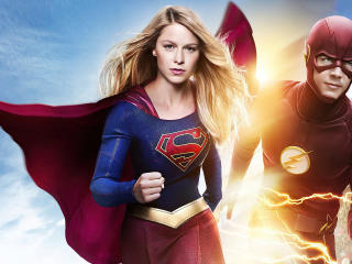 Supergirl and Flash Run wallpaper
